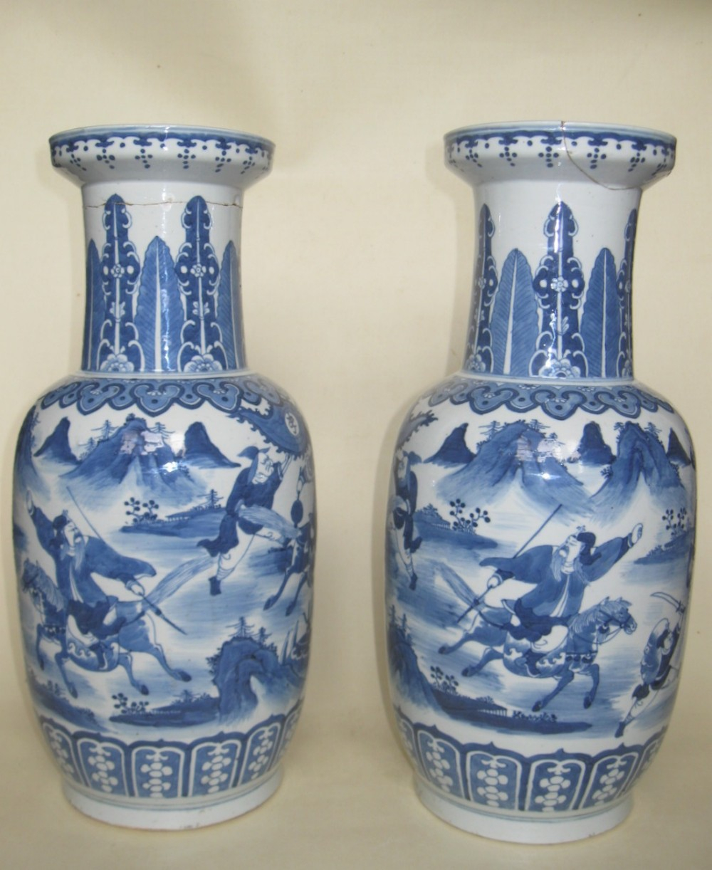 Chinese Qing Dynasty Pair Of Large Blue White Rouleau in proportions 1000 X 1222
