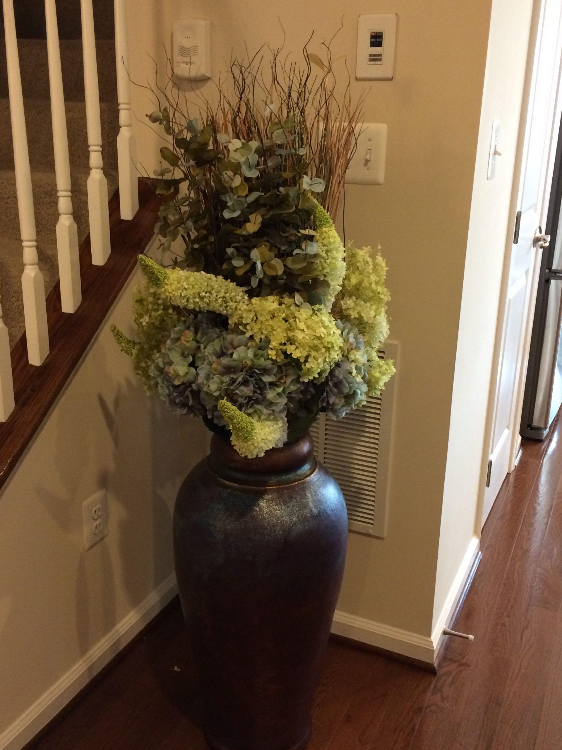 Dark Floor Vase Different Arrangement Floor Vase Decor regarding sizing 2448 X 3264