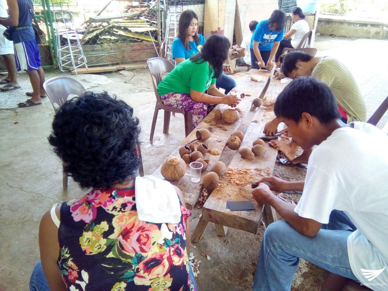 Ibat Ibang Produkto Na Gawa Sa Bao Ng Niyog Lalong inside measurements 1280 X 960