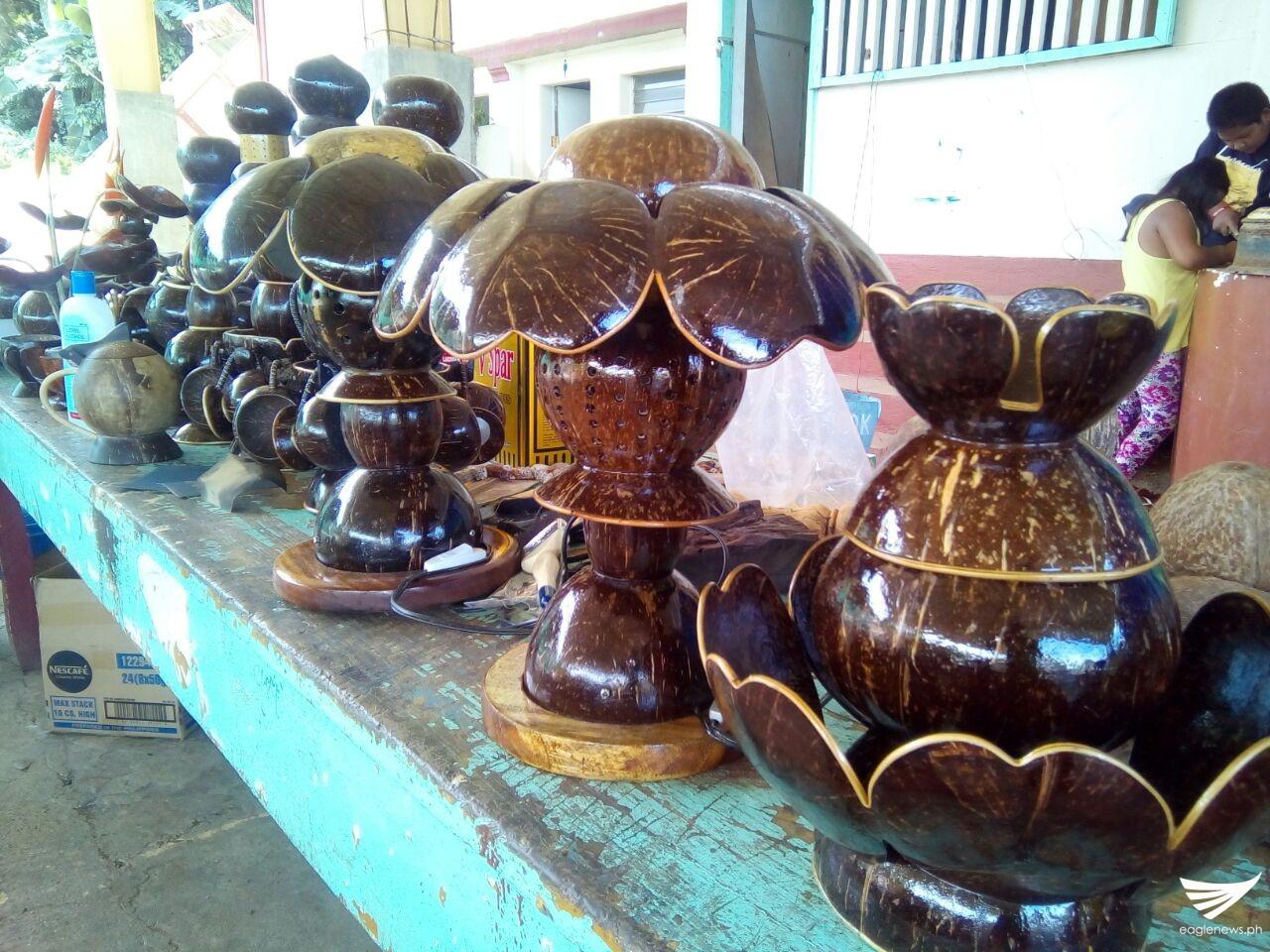 Ibat Ibang Produkto Na Gawa Sa Bao Ng Niyog Lalong within proportions 1280 X 960