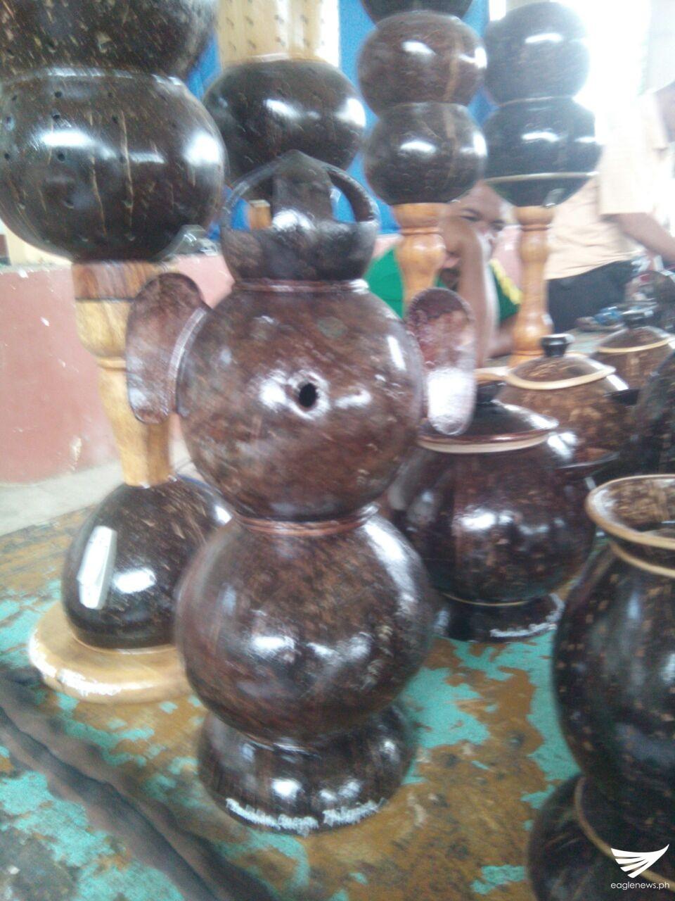 Ibat Ibang Produkto Na Gawa Sa Bao Ng Niyog Lalong within proportions 960 X 1280